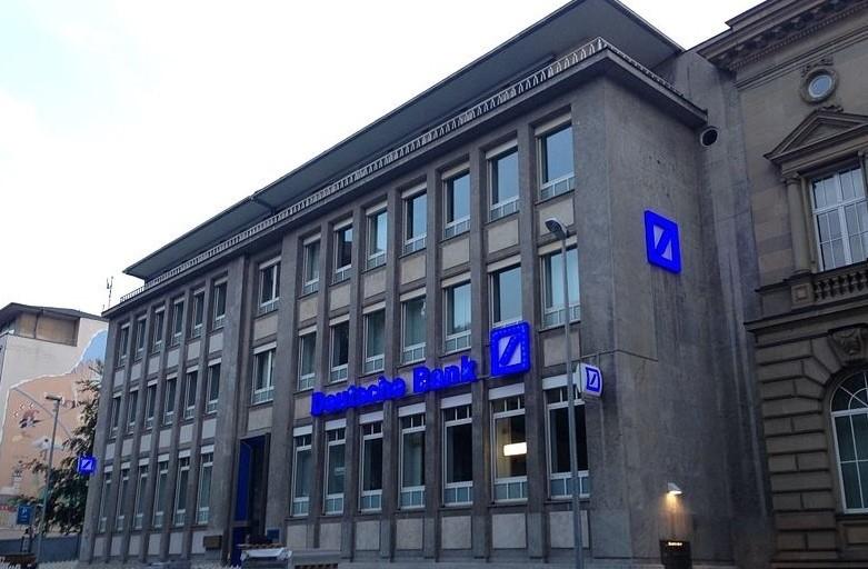 Piazza Del Calendario 3 Milano.Deutsche Bank Numero Verde 0895 9895 999 Servizio Clienti